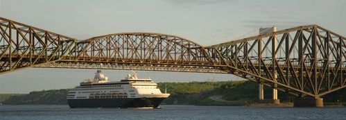 Maasdam under Quebec Bridge