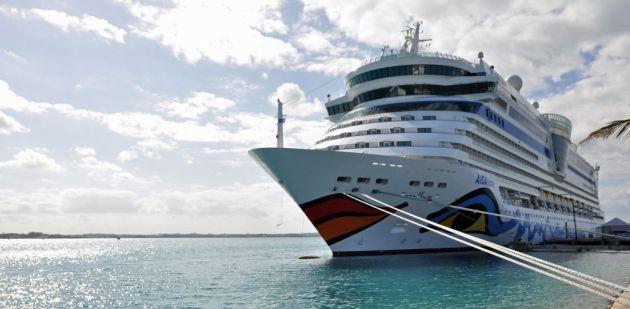 AidaLuna at Bermuda's Naval Dockyard 2 © generalalarm.de