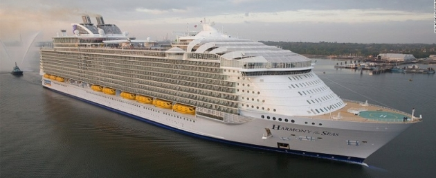 Harmony of the Seas arrives Soton