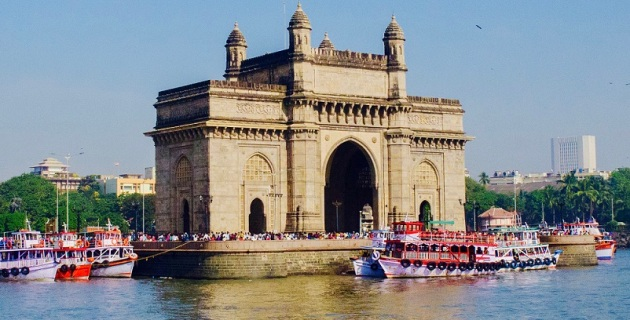 Gateway of India by Ashwin Kumar of Bangalore