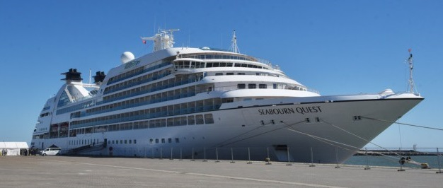 Seabourn Quest at Great Yarmouth